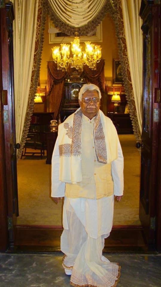 Chidananda Halder in Shawl